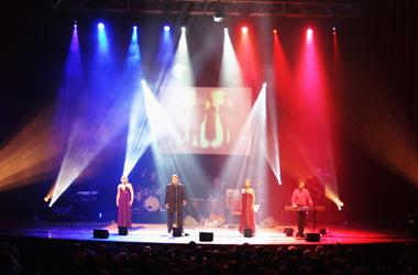 Hit European Musical tour, Beyond the Barricade