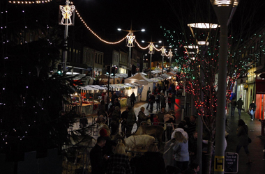 festive market in Lanark and Christmas lights