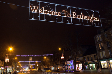 festive lighting along Rutherglen Main St