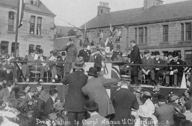 William Angus VC homecoming 1918 - image courtesy of Christine Warren - www.carlukehistory.co.uk