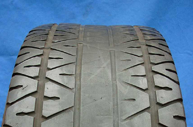image of part-worn tyre from www.tyresafe.org