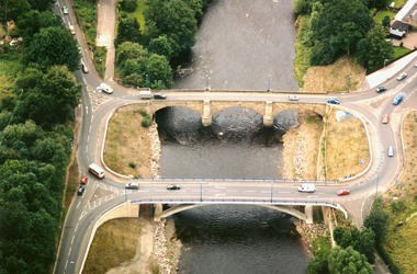 aerial view of Garrion Bridge crossing River Clyde